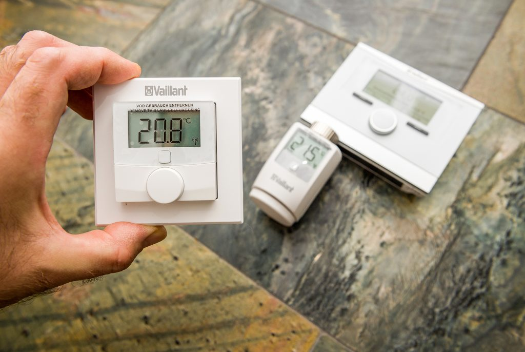 How to Troubleshoot a Blinking Thermostat